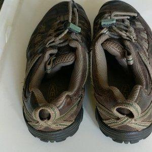 Keen Brown Hiking Shoes Sneakers Kids sz. 1